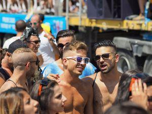 Is he Gay or Just being Israeli? Daily Freier