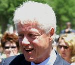 685px-bill_clinton_closeup_at_dedication_of_wwii_memorial_may_2004